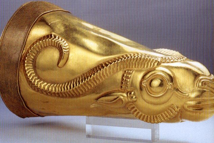 جام طلایی ریتون سرشیر | شی استخراج شده در تپه هگمتانه